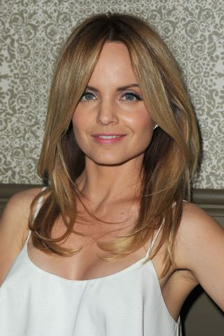 mena suvari with hair